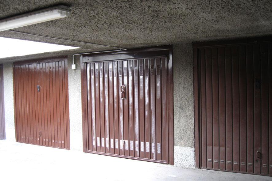 Immagini porte garage basculanti dal 1925 - Porte garage automatiche prezzi ...