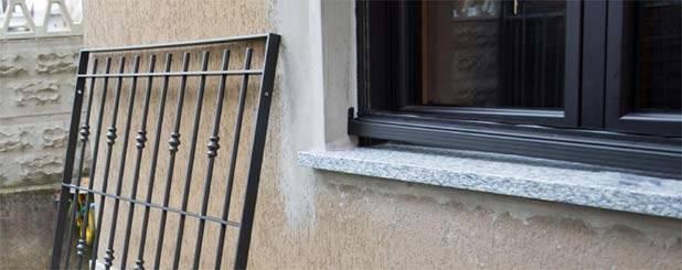Inferriate blindate con zanzariera - Serrande per finestre prezzi ...